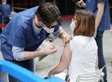 Praktičtí lékaři se hněvají na vládu kvůli očkování. Nesehnala dost vakcín a ještě zkazila propagaci