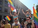 Prahou se prohnal pochod Prague pride 2013