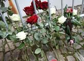 Pietní místo za oběti teroristického útoku v Nice ...
