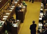 """Premiér Bohuslav Sobotka byl ve sněmovně """"grilován..."""