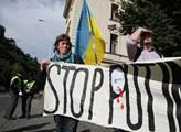 Demonstrace před Strakovou akademií na podporu Ukr...