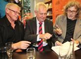 Mladá zpěvačka Kerndlová: I když volím pravici, Zeman je nejlepší kandidát!