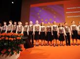 Úvodní interpretace státní a evropské hymny na 38....