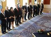 Prezident Miloš Zeman jmenoval ministry vlády prem...