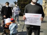 Protest za propuštění válečných zajatců z války o ...