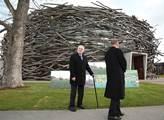 Prezident Miloš Zeman navštívil farmu Čapí hnízdo ...