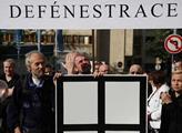 Protestní akce tří odborových organizací Ústavu pr...
