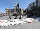 Demonstrace proti fašismu a za mír na Václavském n...