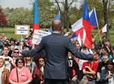 Blok proti islámu oslavil 1. máj pochodem na Kláro...
