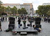 Protest proti SPD na Náměstí Míru v Praze