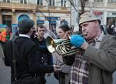 Státní hymna hraná na trubku dotvářela atmosféru