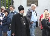 Ruský motocyklový klub Noční vlci uctil památku pa...