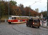 Zatímco na uzavřených úsecích pražských ulic se re...
