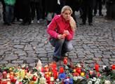 Spontánní pietní akce za oběti teroristických útok...