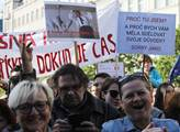 Demonstrace proti Andreji Babišovi nazvaná Proč? P...