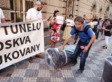 Protest Ne tunelu Moskva-Dukovany.Měl varovat před...