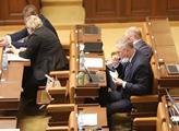 Jednání sněmovny. Na programu byl například zákon ...