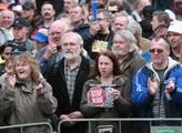 Další palba na odbory: Vláda smí vládnout, i kdyby vás byly v ulicích dva miliony
