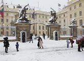 Blokáda hlavního vstupu Pražského hradu. Akce chtě...