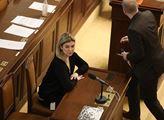 Jednání sněmovny v pátek skončilo několik minut po...