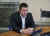 Ministr Hamáček: Čísla neklesají tak rychle, jak bychom si přáli