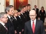 Prezident Miloš Zeman jmenoval vládu premiéra Bohu...