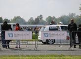 Víkendová Rally a Helicopter show na letišti v Hra...