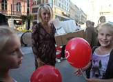 Veronika Žilková rozdávala tradiční ANOkoblihy. By...