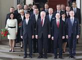 Premiér Sobotka uvedl do úřadů všechny ministry a ministryně nové vlády