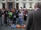 Demonstrace na podporu Ruska a proti válce na Ukra...