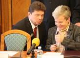 Ministr průmyslu a obchodu Jan Mládek tiskové konf...