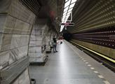 Pražské metro pocítilo v důsledku bezpečnostních o...