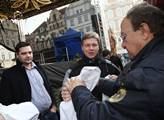 Pomocníkek mu byl i zastupitel za TOP 09 Tomáš Hud...