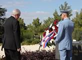 Český prezident pokládá věnec u památníku Theodora...