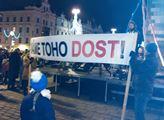 Výročí v Plzni: Mladá aktivistka vykládala, co napáchal komunismus. Havel z Rudolfina a obrana Sorose. Předplaťte si Deník N a Fórum24, ti jsou nezávislí