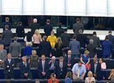 Věrnost EU jako slib Říši? Bouře: Schwarzenberg, Foldyna, Gazdík, KSČM. Nový dokument