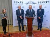 Hádka o ČT: Smoljak vytáhl staré maily, exministr Staněk se neudržel