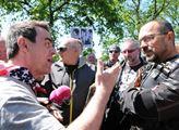 Protiruský aktivista Uhlíř, kterého včera odvedla policie, promluvil: Nejhorší nebylo setkání s Foldynou, ale to, co jsem se dozvěděl v policejním antonu...