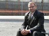 """""""Mengele byl kulturní člověk"""". Ve sněmovně byl opět bordel. Řádil Volný, proti němu Zaorálek"""