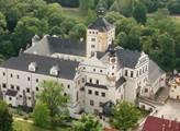 Východočeské muzeum Pardubice: Zlatá přilba slaví 70 ročníků, muzeum vystaví motocykly i přilby