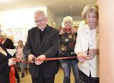 Přestřižení pásky v novém Centru sociální pomoci v...