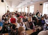 Střet názorů nad zápisným vysokoškoláků: K lékaři s gymplem byste nešli