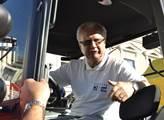 Senátor Veleba odstartoval kampaň na náměstí v Nov...