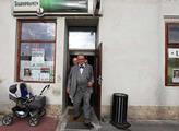 Karel Schwarzenberg navštívil pivnici Praha ve Str...