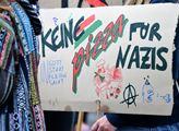 Žádnou pizzu nacistům- kreativita levičáků v Chemn...