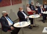 Měli bychom začít přemýšlet o druhém Pražském okruhu, uvedl v předvolební debatě Vlastimil Tlustý