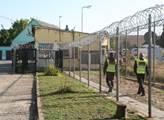 Utečenecký tábor - bývalá věznice - v Drahonicích ...