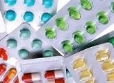 Lidé nevyužijí čtvrtinu léků na recept. To je 9 miliard, říká Beneš