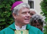 Biskup Malý kázal z televize: Nenechte se manupulovat. Spíš než o svou bezpečnost mějte strach o spravedlnost