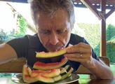 Vystrčil snědl meloun a zveřejnil FOTO. Tchajwanci jásají, zato Češi...
